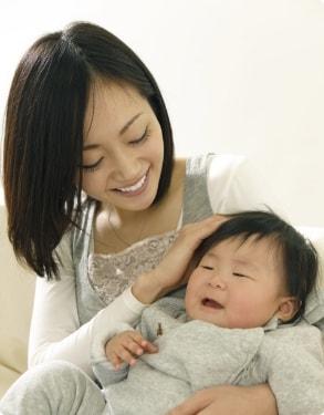 イメージ写真:産後のママと赤ちゃん